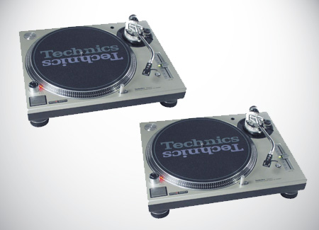 World-class Technics SL1200 MKII Vinyl Turntables for Rent in KL